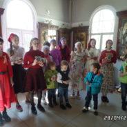 В праздник Светлого Христова Воскресения в храме прошел Пасхальный молебен со Святым Причастием для детей и Пасхальный детский праздник.