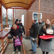 Приходом храма отправлена гуманитарная помощь нуждающимся, бесплатные обеды для бездомных.