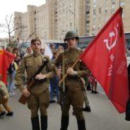 Воспитанники Воскресной школы и прихожане храма сщмч. Серафима посетили парад военной техники Российской армии.